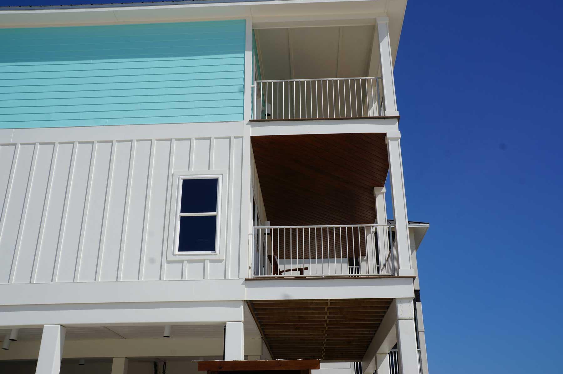 Decks on both upper floors